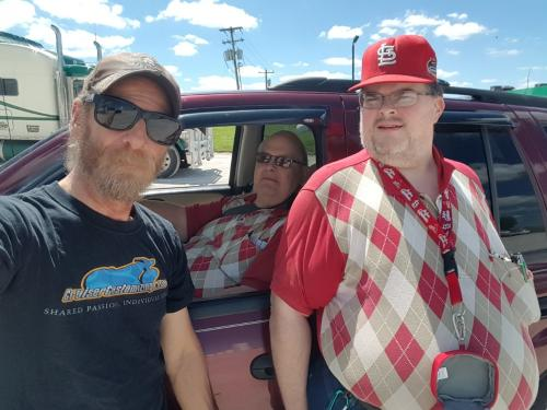 Norvil and Norbert meeting BigRigSteve in Hannibal Missouri May 2017