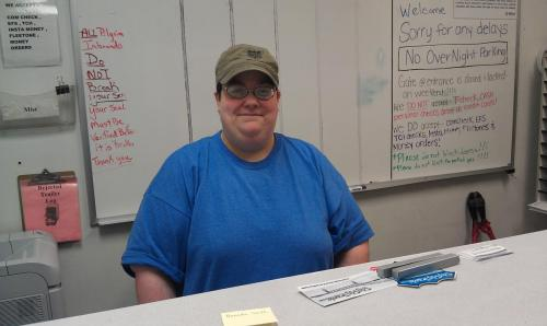 August 2013Amanda surprised BigRigSteve when she handed us our paperwork after being unloaded where she works in Louisville, Kentucky!